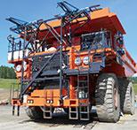 写真:マイニングダンプトラック