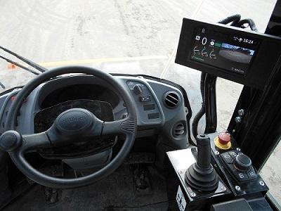 運転席内のモニター